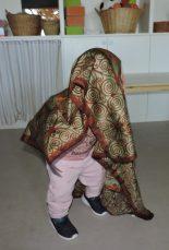 Amb un mocador em cobreixo per fer de gegant a la festa major
